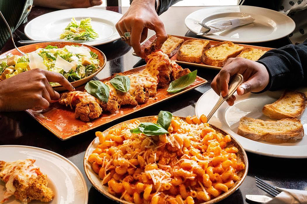 Parmiagiana-Style Chicken & Pasta Family Bundle