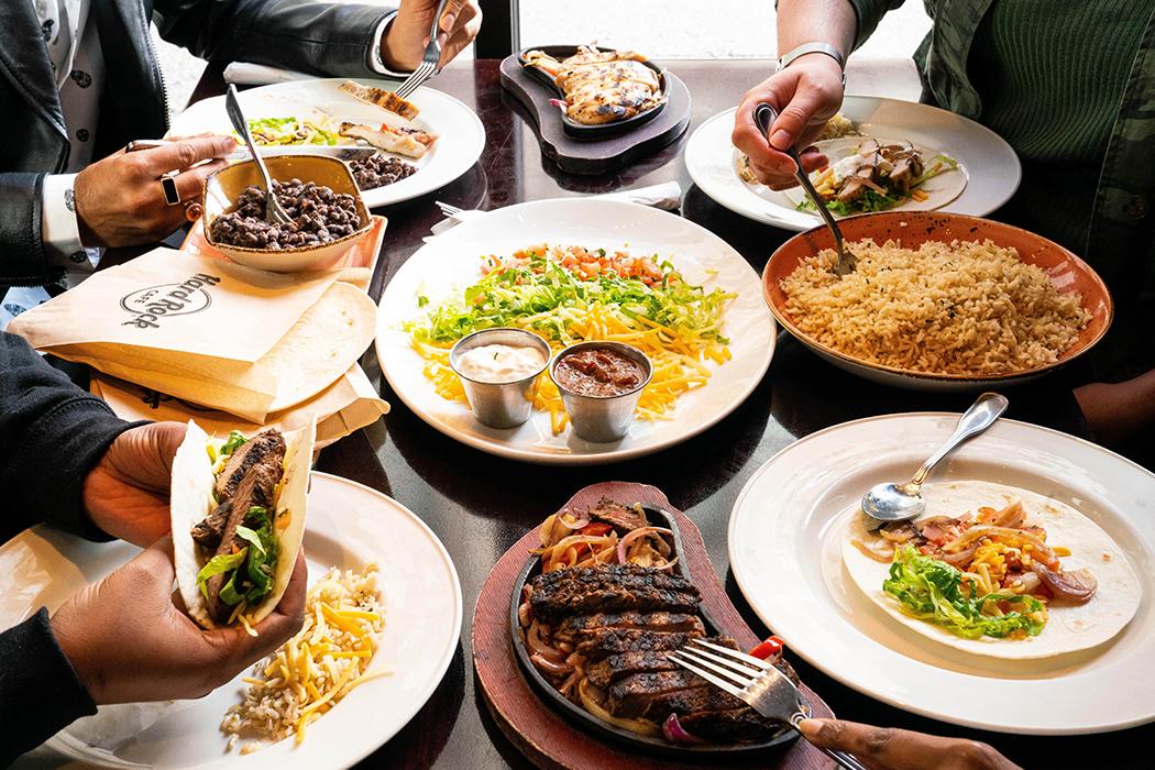 Famous Fajitas – Chicken & Steak Combo Family Bundle