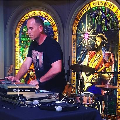 DJ David Munoz Live on the Patio